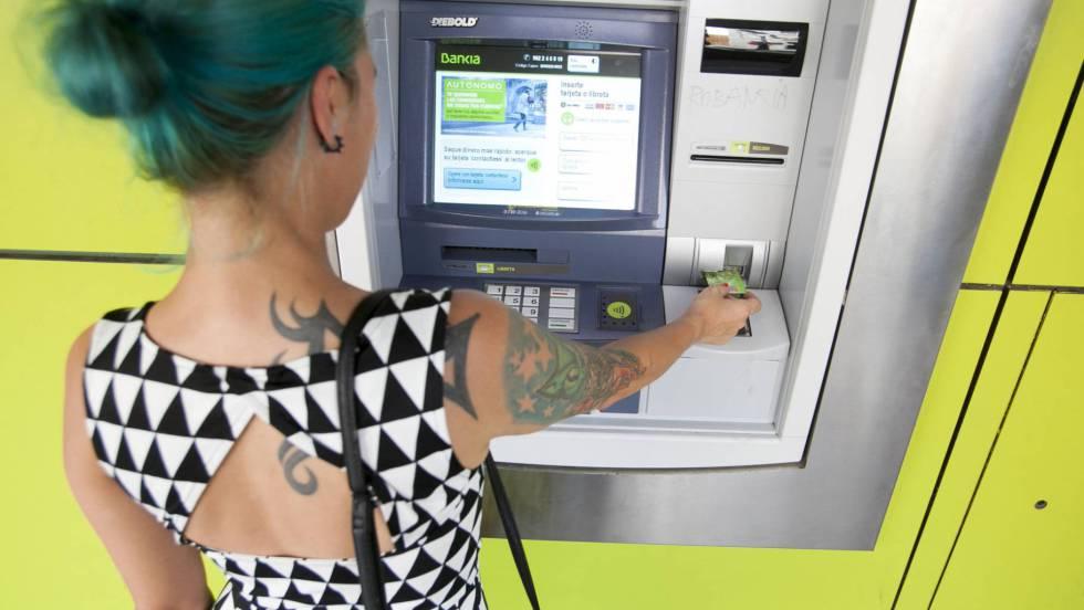 Carmena impondr una tasa a los cajeros autom ticos for Dinero maximo cajero