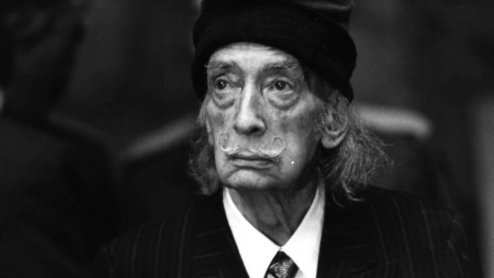 Una juez ordena la exhumación de Salvador Dalí por una demanda de paternidad