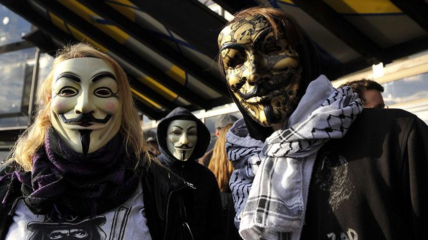 Anonymous declara la guerra al ISIS: quiénes son y qué han conseguido 1447752730_293113_1447764955_noticia_fotograma