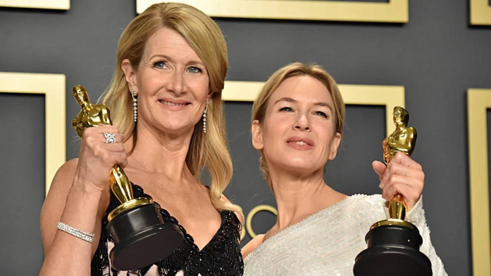 Laura Dern (izquierda) y Renée Zellweger, con sus estatuillas.