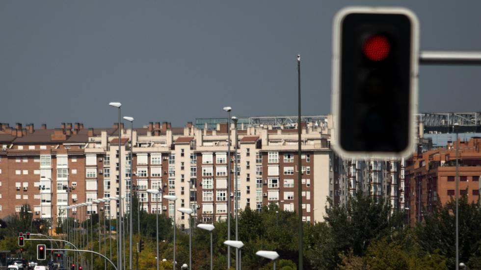 """Sánchez planea medidas """"coercitivas"""" contra los dueños de viviendas vacías"""