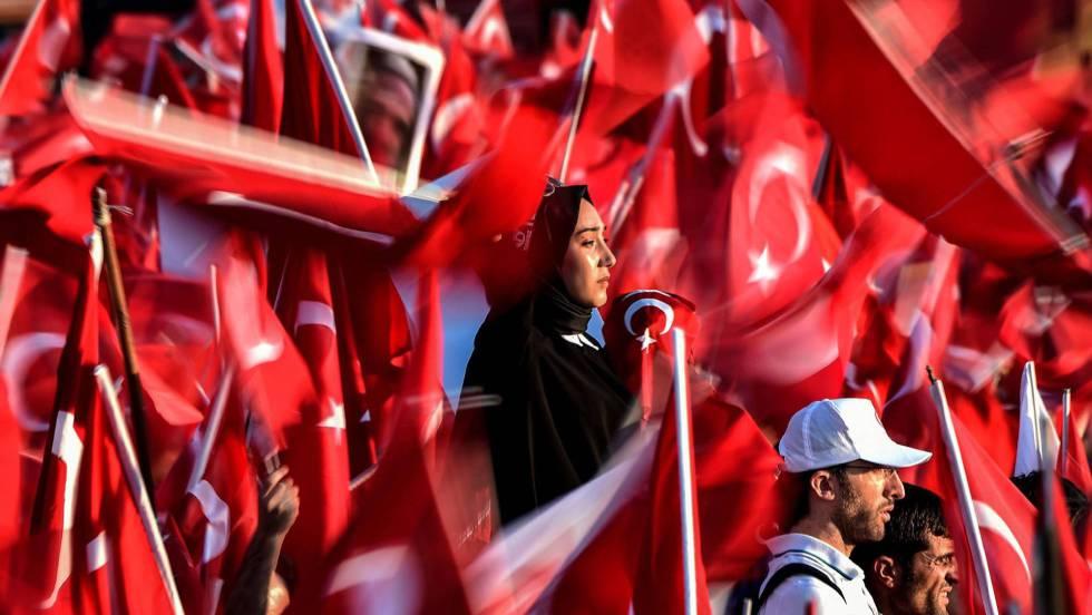 Golpe de estado en Turquia - Página 7 1500145881_974442_1500167565_noticia_fotograma