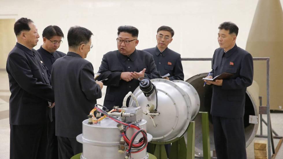 "Corea del Norte lanza un ""cohete"" 1504412077_373562_1504434036_noticia_fotograma"