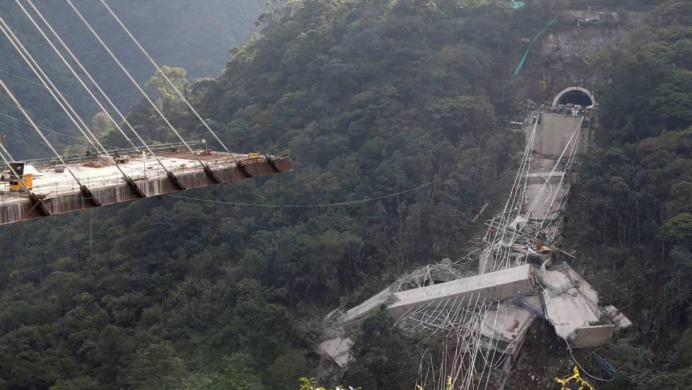 Al Menos Nueve Muertos Por El Derrumbe De Un Puente En Colombia