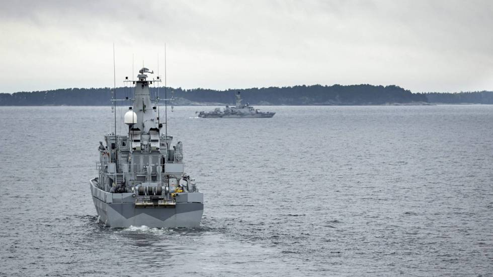 militar - Los países nórdicos estrechan su cooperación militar frente a Rusia - Página 2 1525437112_060527_1526932464_noticia_fotograma