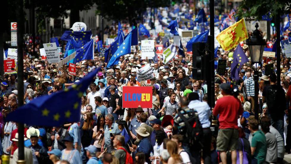 Brexit del Reino Unido, intereses burgueses en pugna. - Página 2 1529768159_962294_1529776030_noticia_fotograma