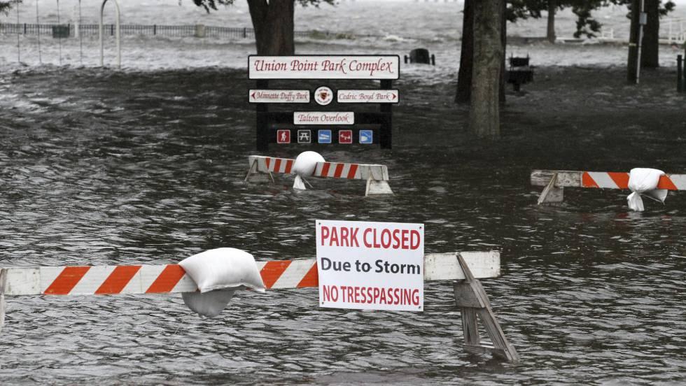 "Estado de emergencia: Lo que se sabe del ""extremadamente peligroso"" huracán Florence 1536902389_517941_1537014178_noticia_fotograma"