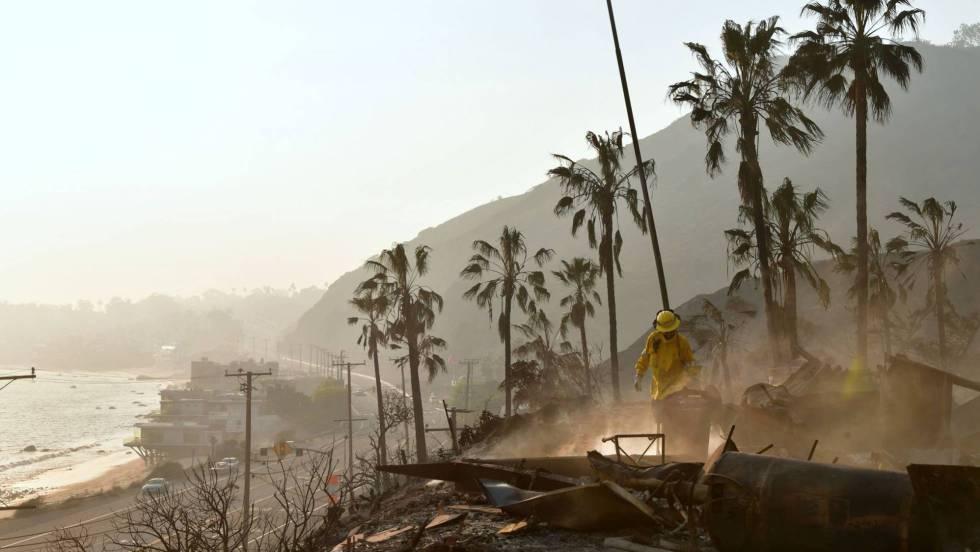 Los incendios de California dejan ya 23 muertos y 250.000 personas desalojadas