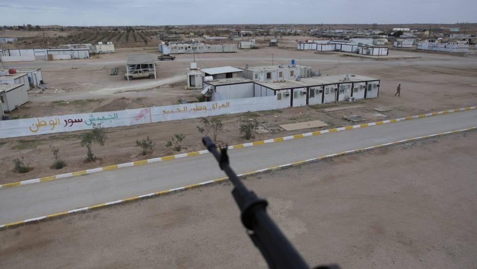 Base aérea de Ain al Asad, en el oeste de Irak. En vídeo, Irán ataca con misiles a dos bases estadounidenses en Irak. NASSER NASSER FOTO: AP | VIDEO:REUTERS